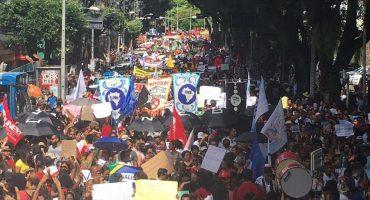 Salvador, às 11h: caminhada começou por volta das 10h40 — Foto: Maiana Belo/G1 Bahia
