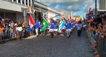 Desfile cívico dos 202 anos da Emancipação Política de Alagoas, realizado em 2019 — Foto: Daniel Tavares/G1
